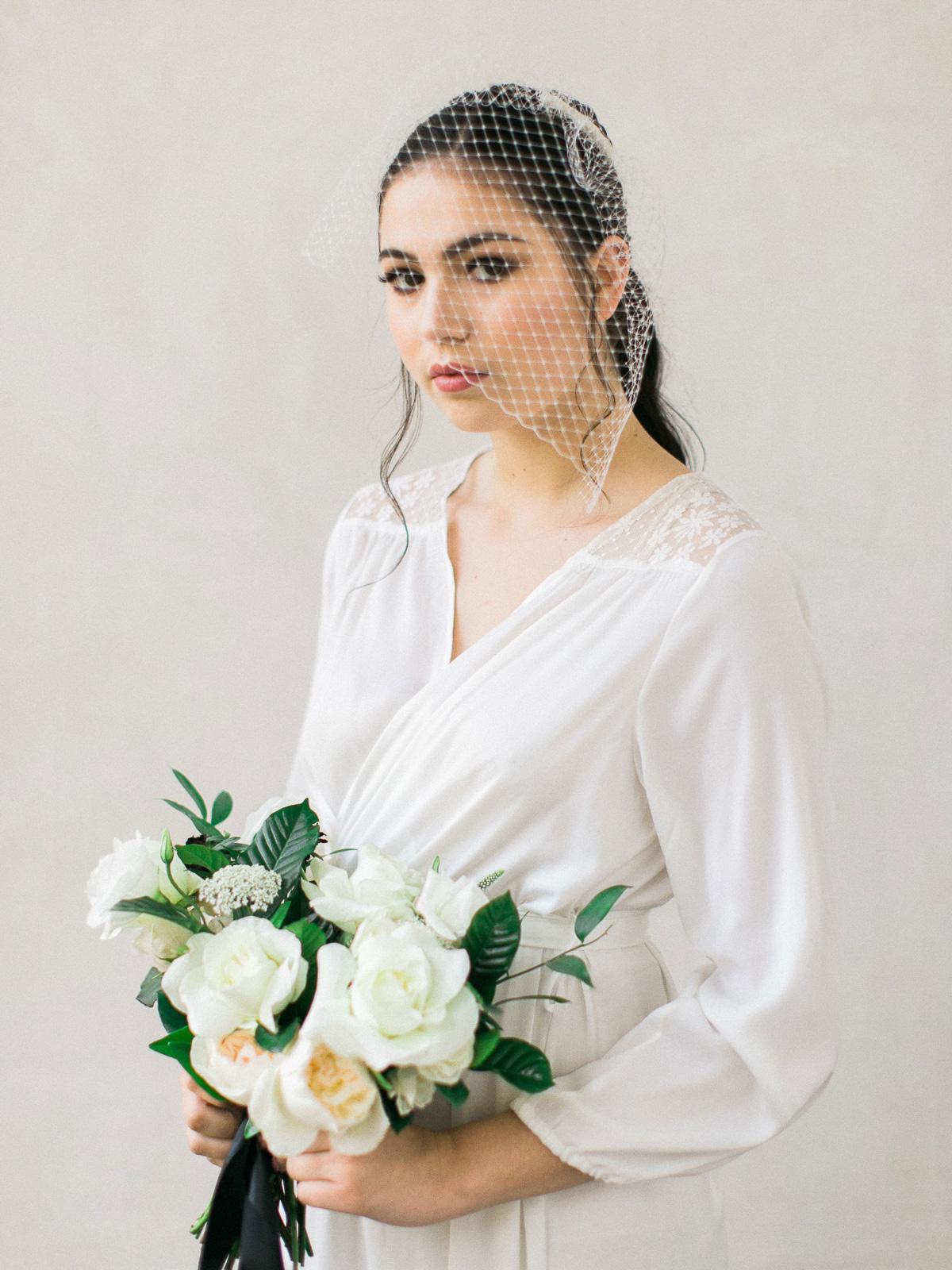 kurtz-orpia-photography-vineyard-bride-swish-list-dundurn-castle-dundas-wedding-editorial-16.jpg