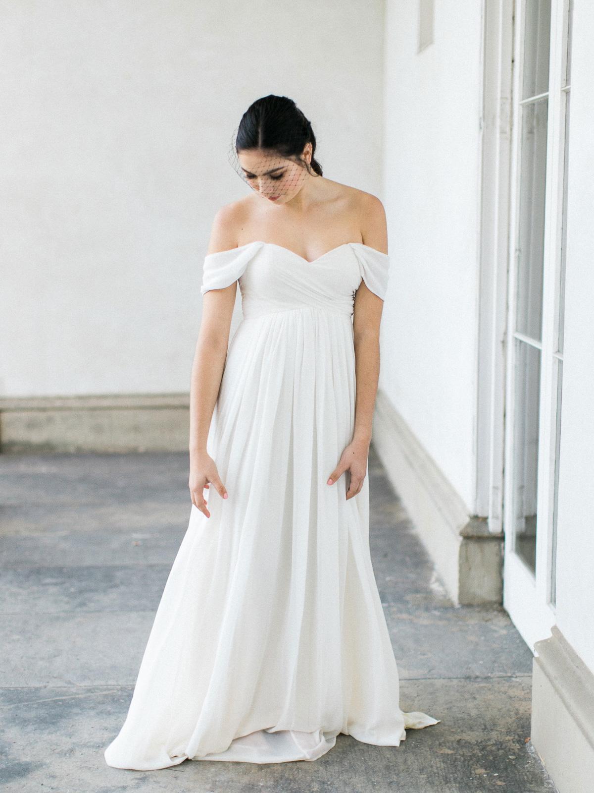 kurtz-orpia-photography-vineyard-bride-swish-list-dundurn-castle-dundas-wedding-editorial-20.jpg