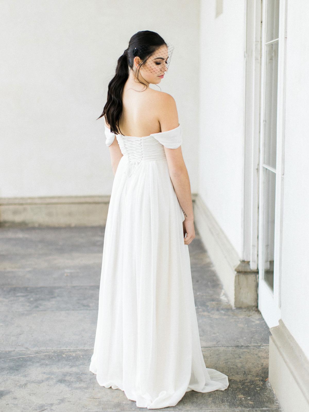 kurtz-orpia-photography-vineyard-bride-swish-list-dundurn-castle-dundas-wedding-editorial-21.jpg