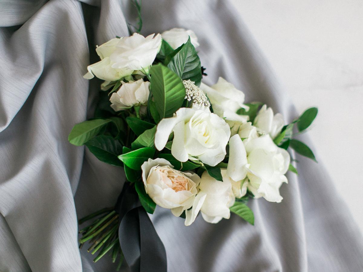 kurtz-orpia-photography-vineyard-bride-swish-list-dundurn-castle-dundas-wedding-editorial-25.jpg