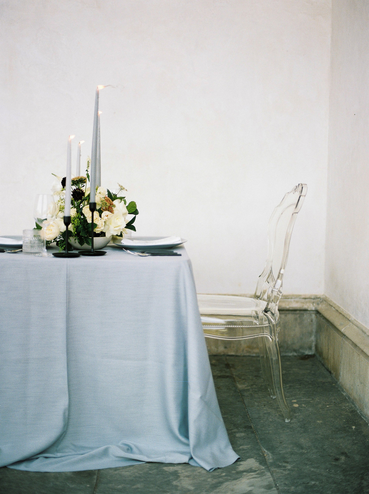 kurtz-orpia-photography-vineyard-bride-swish-list-dundurn-castle-dundas-wedding-editorial-28.jpg
