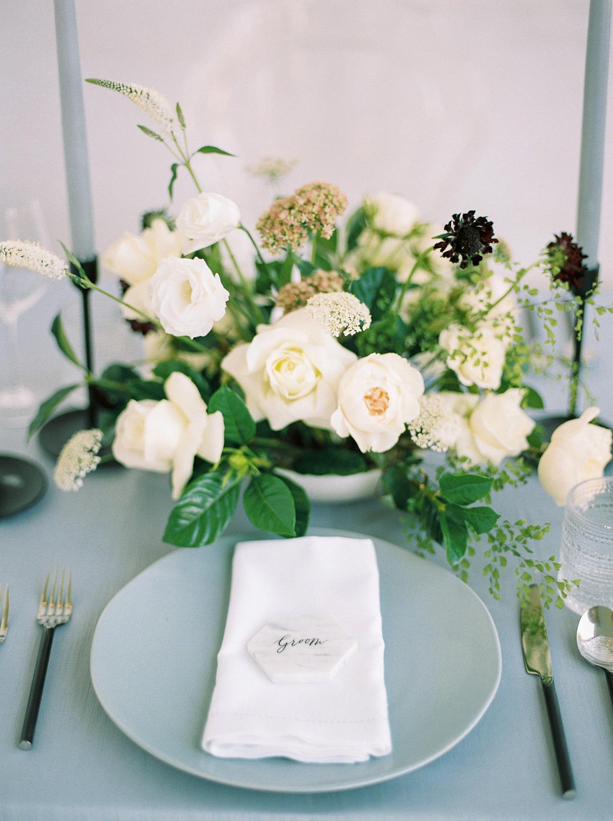 kurtz-orpia-photography-vineyard-bride-swish-list-dundurn-castle-dundas-wedding-editorial-29.jpg