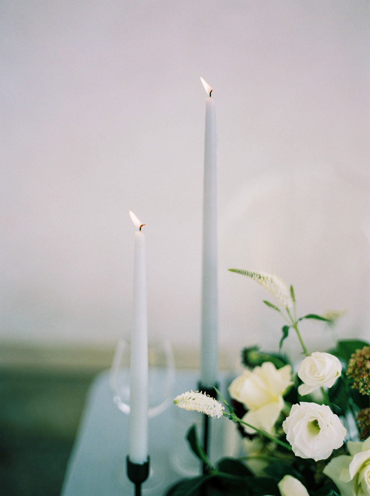 kurtz-orpia-photography-vineyard-bride-swish-list-dundurn-castle-dundas-wedding-editorial-30.jpg