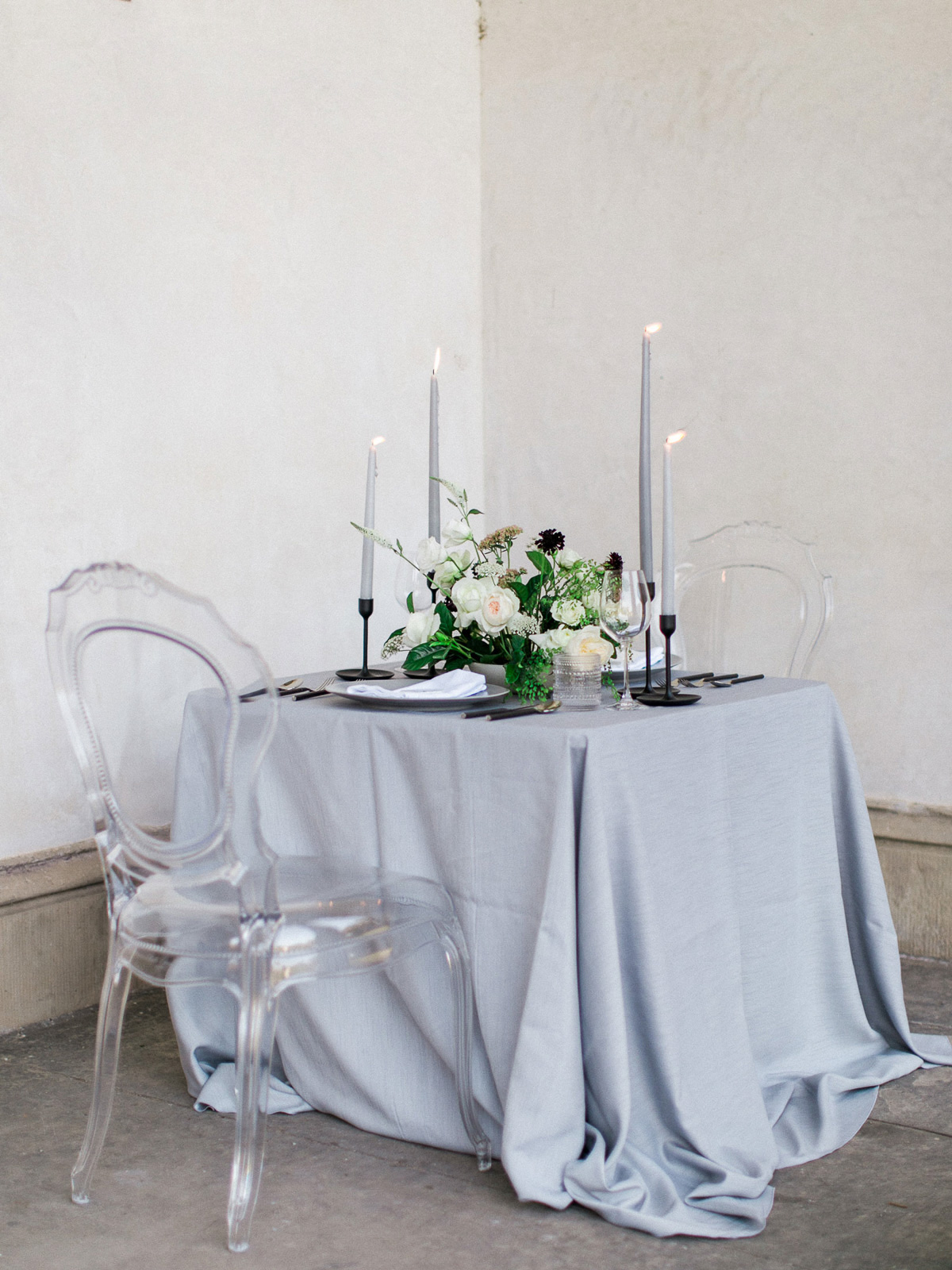 kurtz-orpia-photography-vineyard-bride-swish-list-dundurn-castle-dundas-wedding-editorial-31.jpg