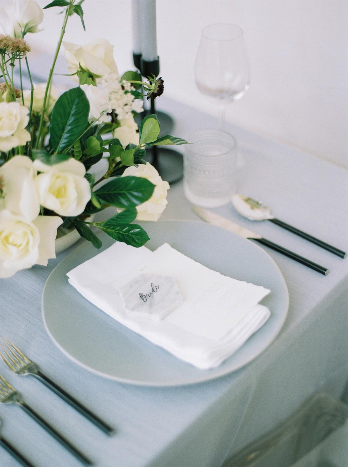 kurtz-orpia-photography-vineyard-bride-swish-list-dundurn-castle-dundas-wedding-editorial-32.jpg