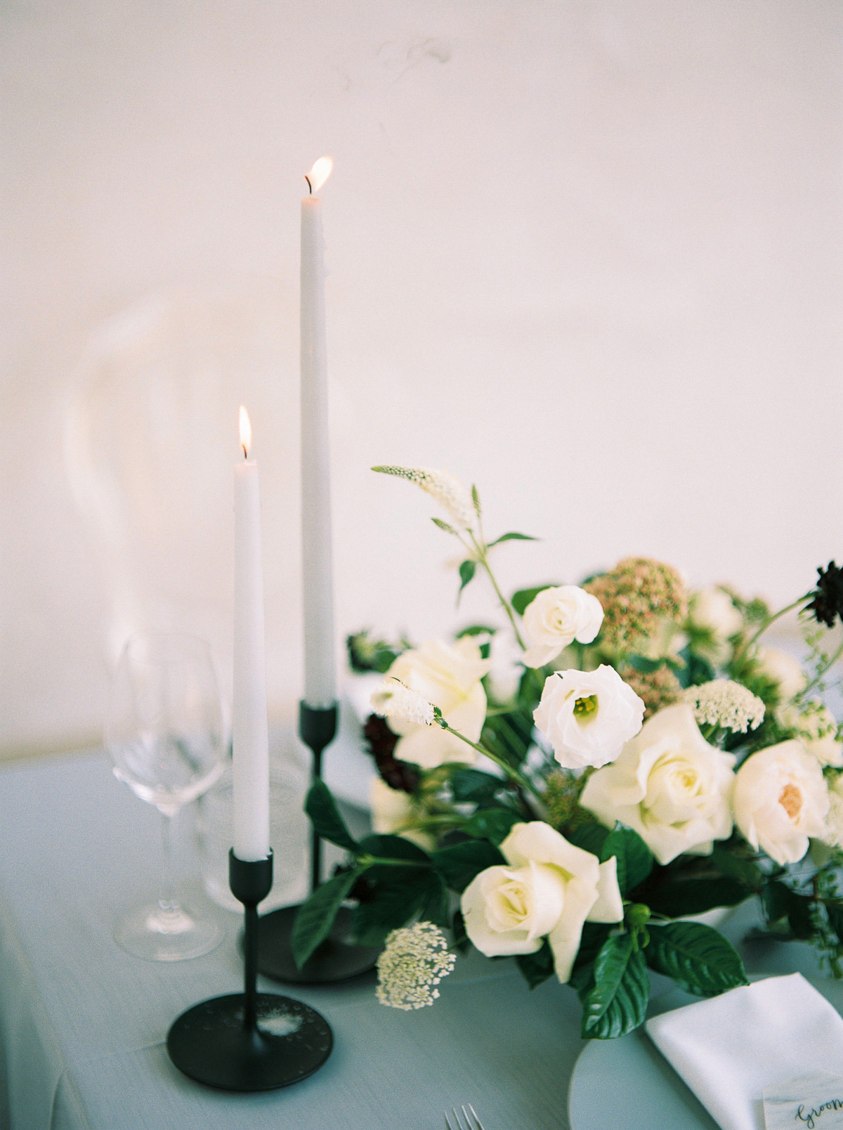 kurtz-orpia-photography-vineyard-bride-swish-list-dundurn-castle-dundas-wedding-editorial-35.jpg