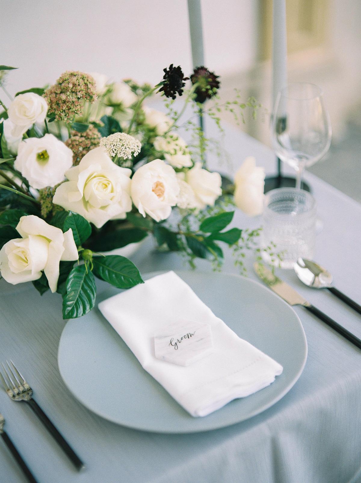 kurtz-orpia-photography-vineyard-bride-swish-list-dundurn-castle-dundas-wedding-editorial-36.jpg