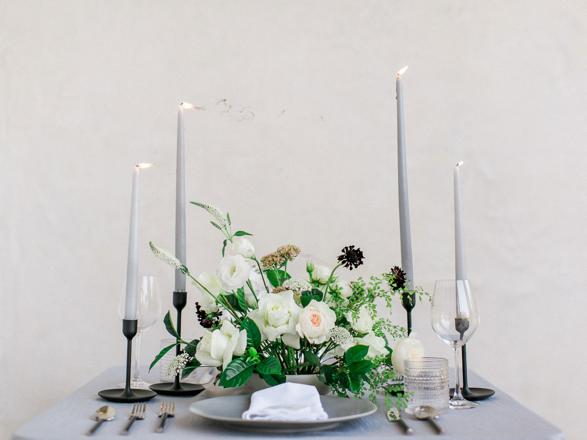 kurtz-orpia-photography-vineyard-bride-swish-list-dundurn-castle-dundas-wedding-editorial-38.jpg