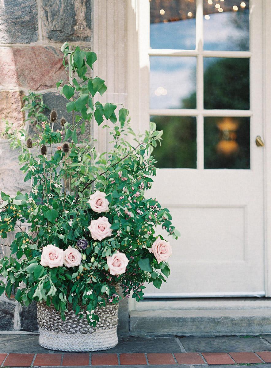 whitney-heard-photography-vineyard-bride-swish-list-graydon-hall-manor-toronto-wedding-editorial-5.jpg