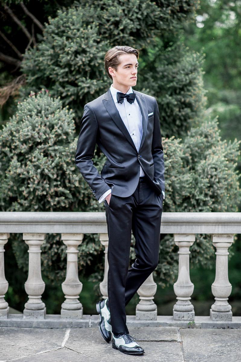 whitney-heard-photography-vineyard-bride-swish-list-graydon-hall-manor-toronto-wedding-editorial-39.jpg