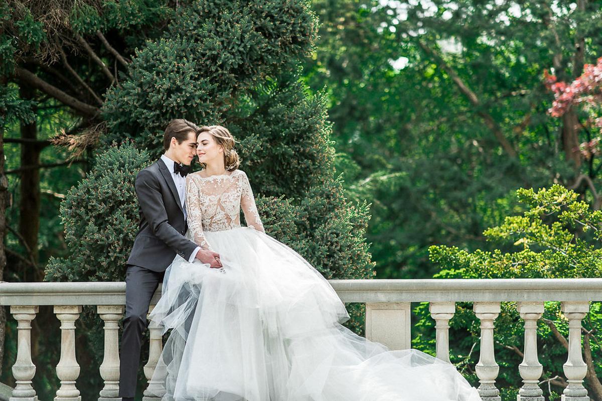 whitney-heard-photography-vineyard-bride-swish-list-graydon-hall-manor-toronto-wedding-editorial-47.jpg