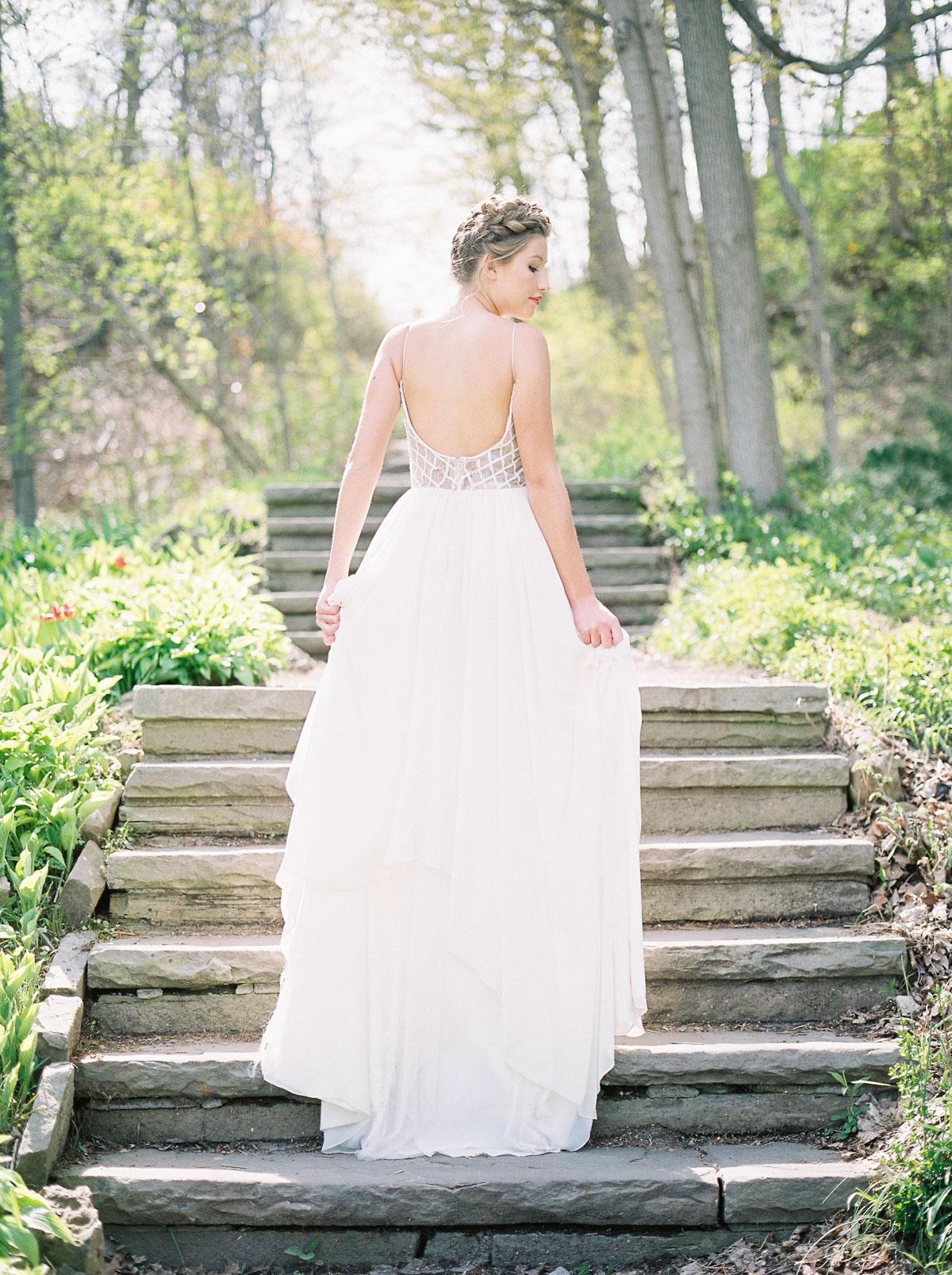 julia-park-photography-vineyard-bride-swish-list-niagara-on-the-lake-wedding-editorial-2.jpg