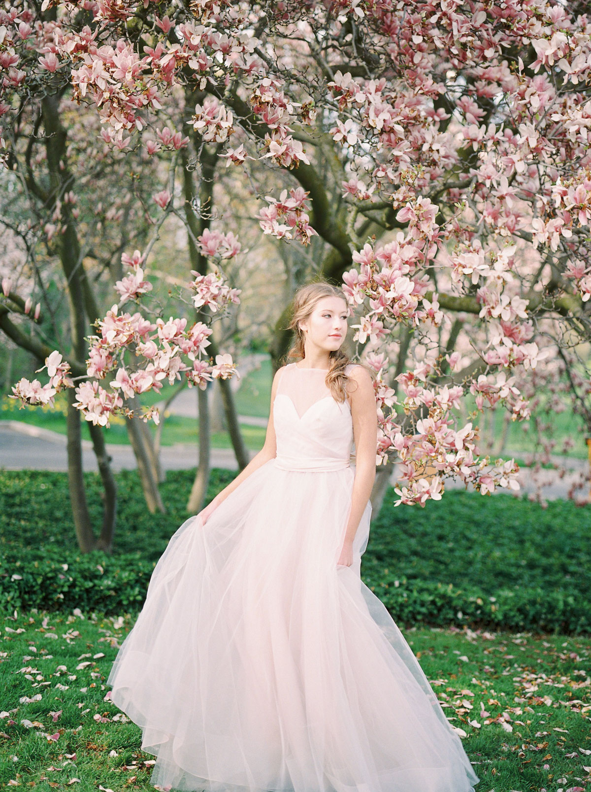julia-park-photography-vineyard-bride-swish-list-niagara-on-the-lake-wedding-editorial-5.jpg