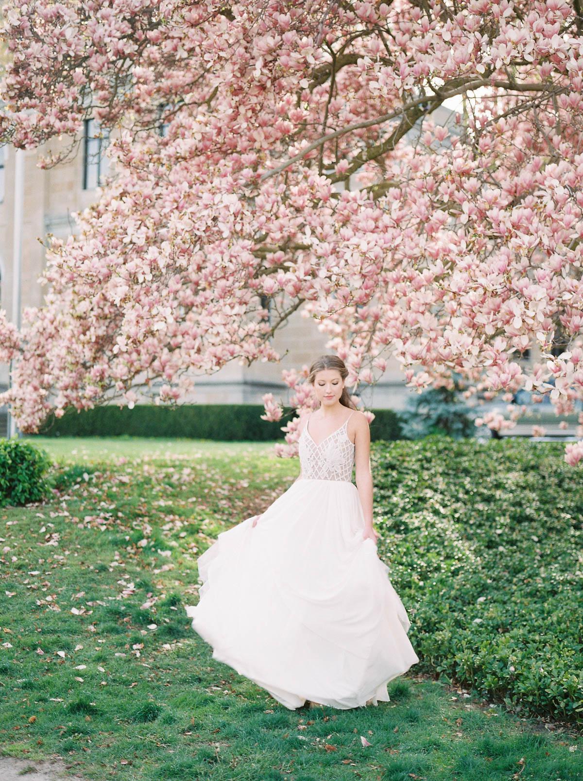 julia-park-photography-vineyard-bride-swish-list-niagara-on-the-lake-wedding-editorial-9.jpg