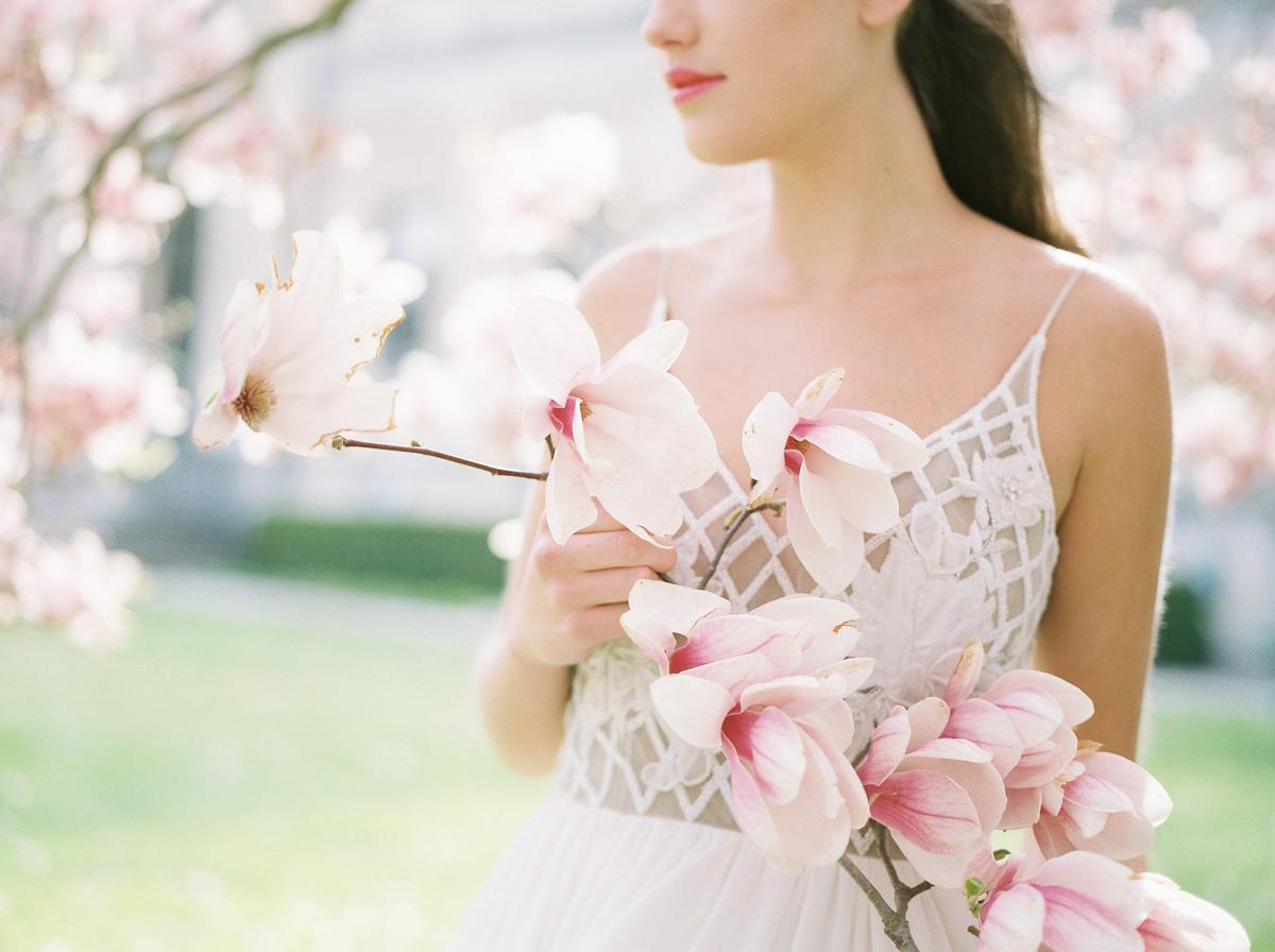 julia-park-photography-vineyard-bride-swish-list-niagara-on-the-lake-wedding-editorial-17.jpg