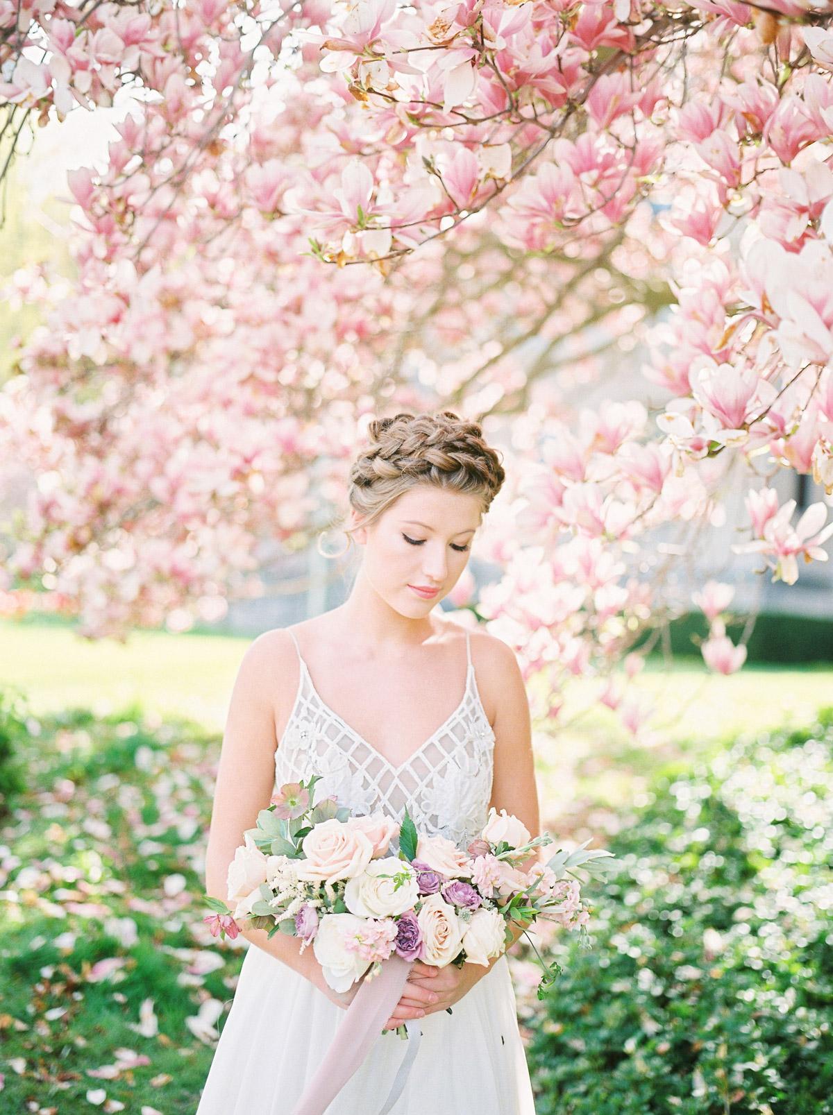 julia-park-photography-vineyard-bride-swish-list-niagara-on-the-lake-wedding-editorial-19.jpg