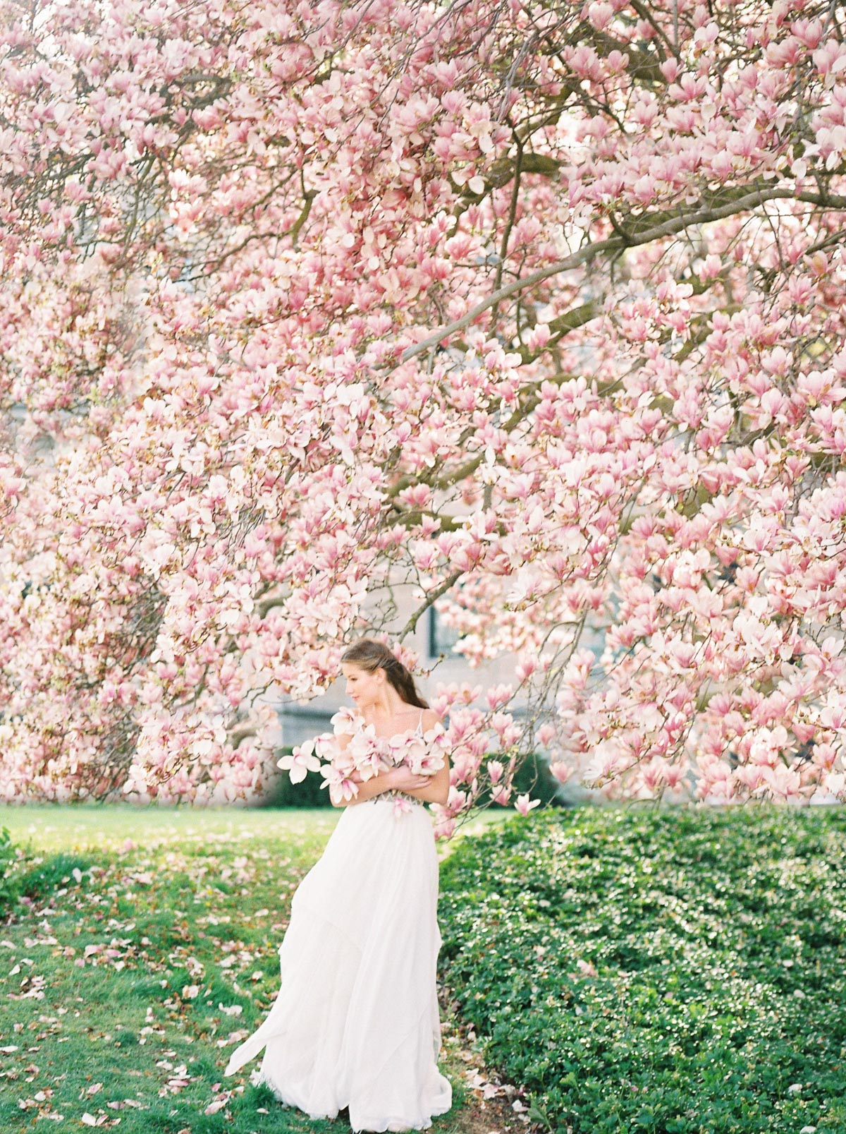 julia-park-photography-vineyard-bride-swish-list-niagara-on-the-lake-wedding-editorial-27.jpg