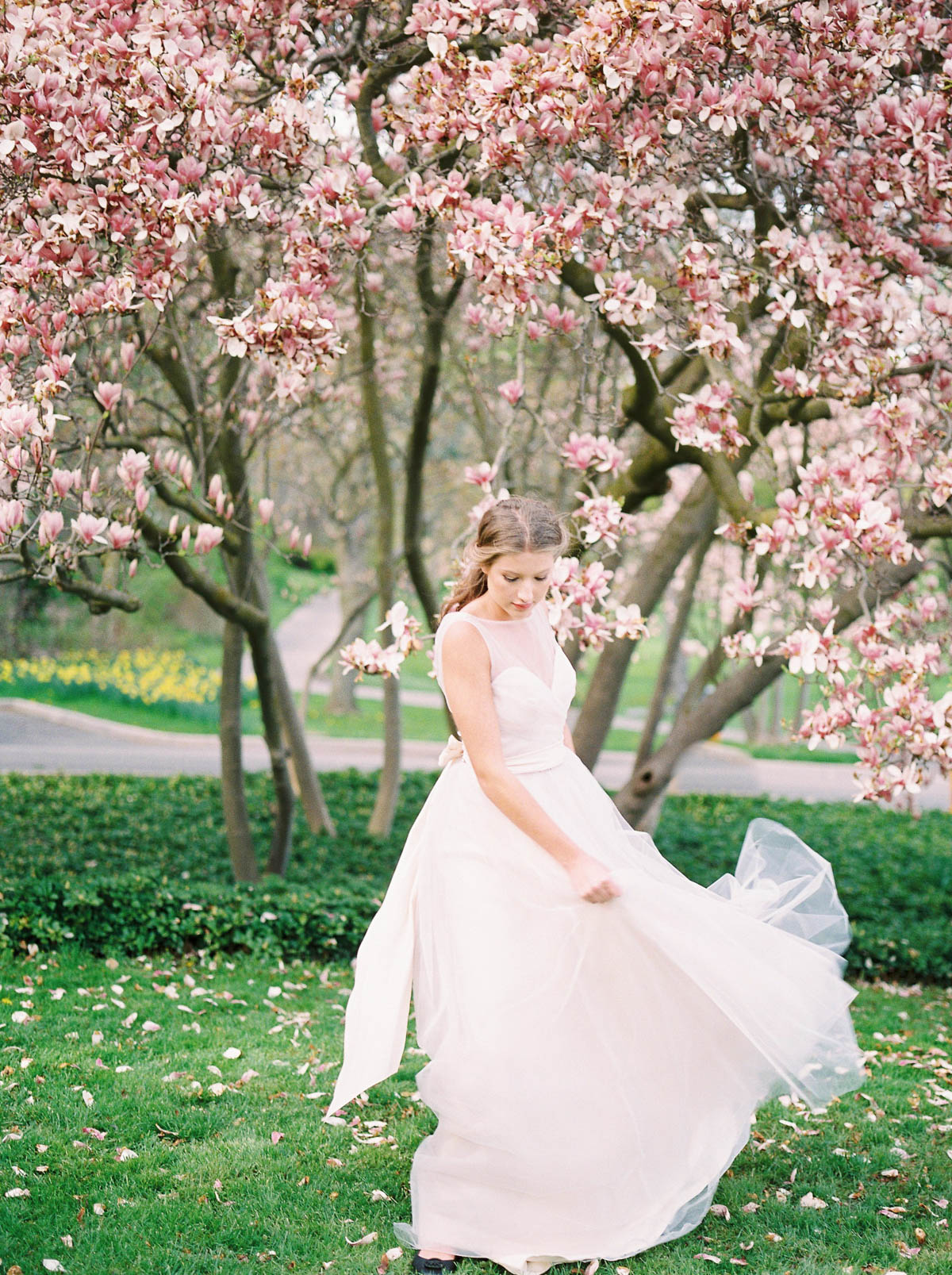 julia-park-photography-vineyard-bride-swish-list-niagara-on-the-lake-wedding-editorial-29.jpg