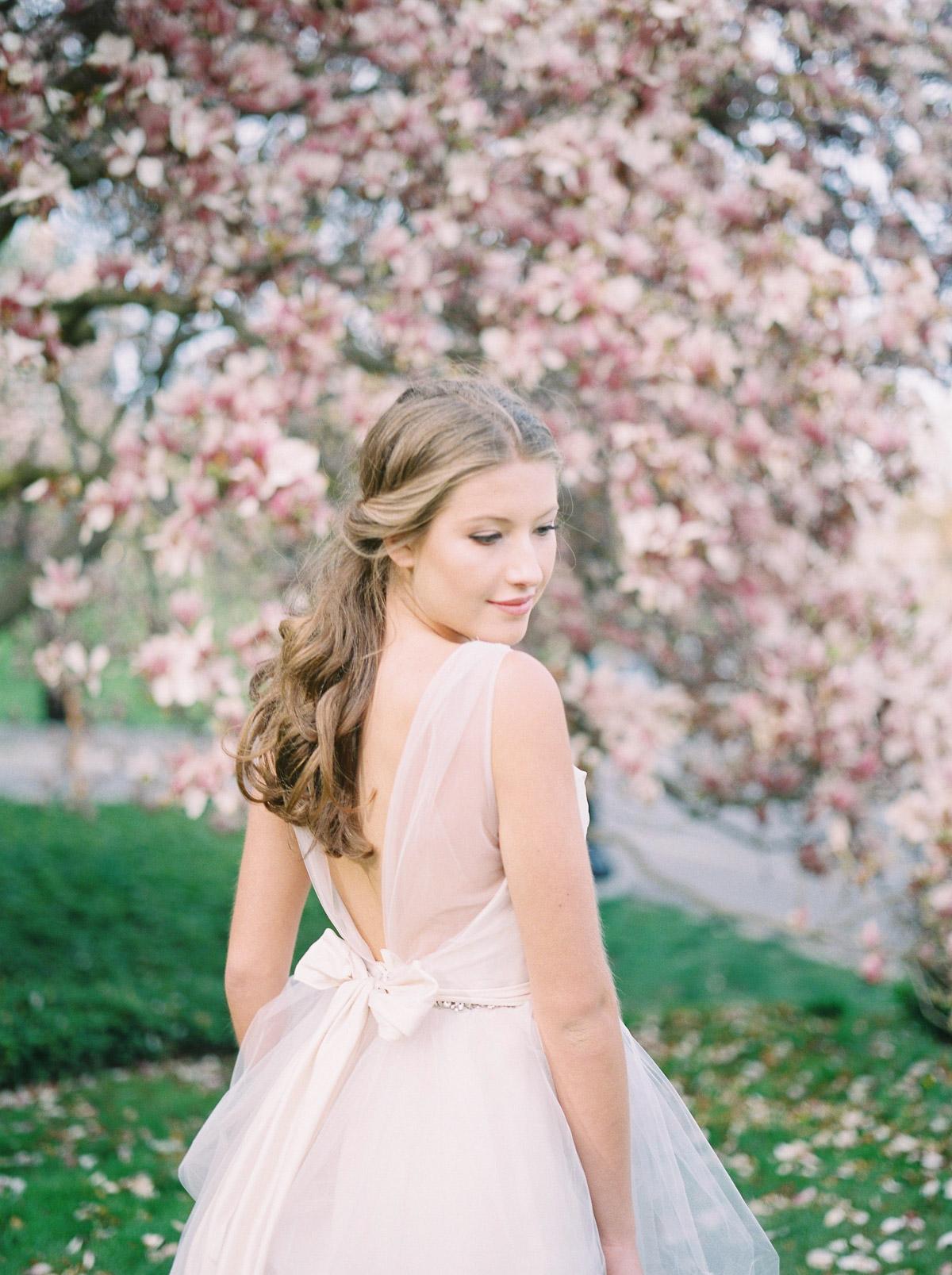 julia-park-photography-vineyard-bride-swish-list-niagara-on-the-lake-wedding-editorial-31.jpg