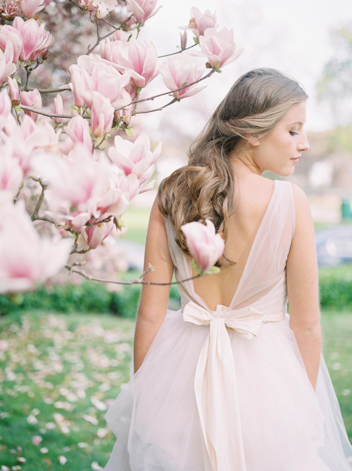 julia-park-photography-vineyard-bride-swish-list-niagara-on-the-lake-wedding-editorial-32.jpg