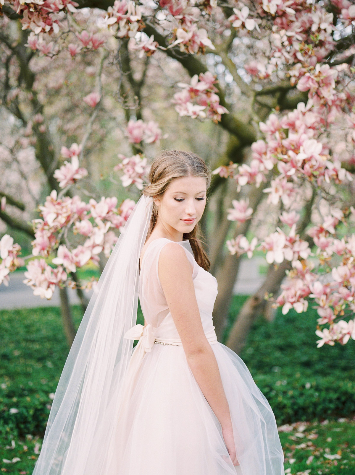 julia-park-photography-vineyard-bride-swish-list-niagara-on-the-lake-wedding-editorial-34.jpg