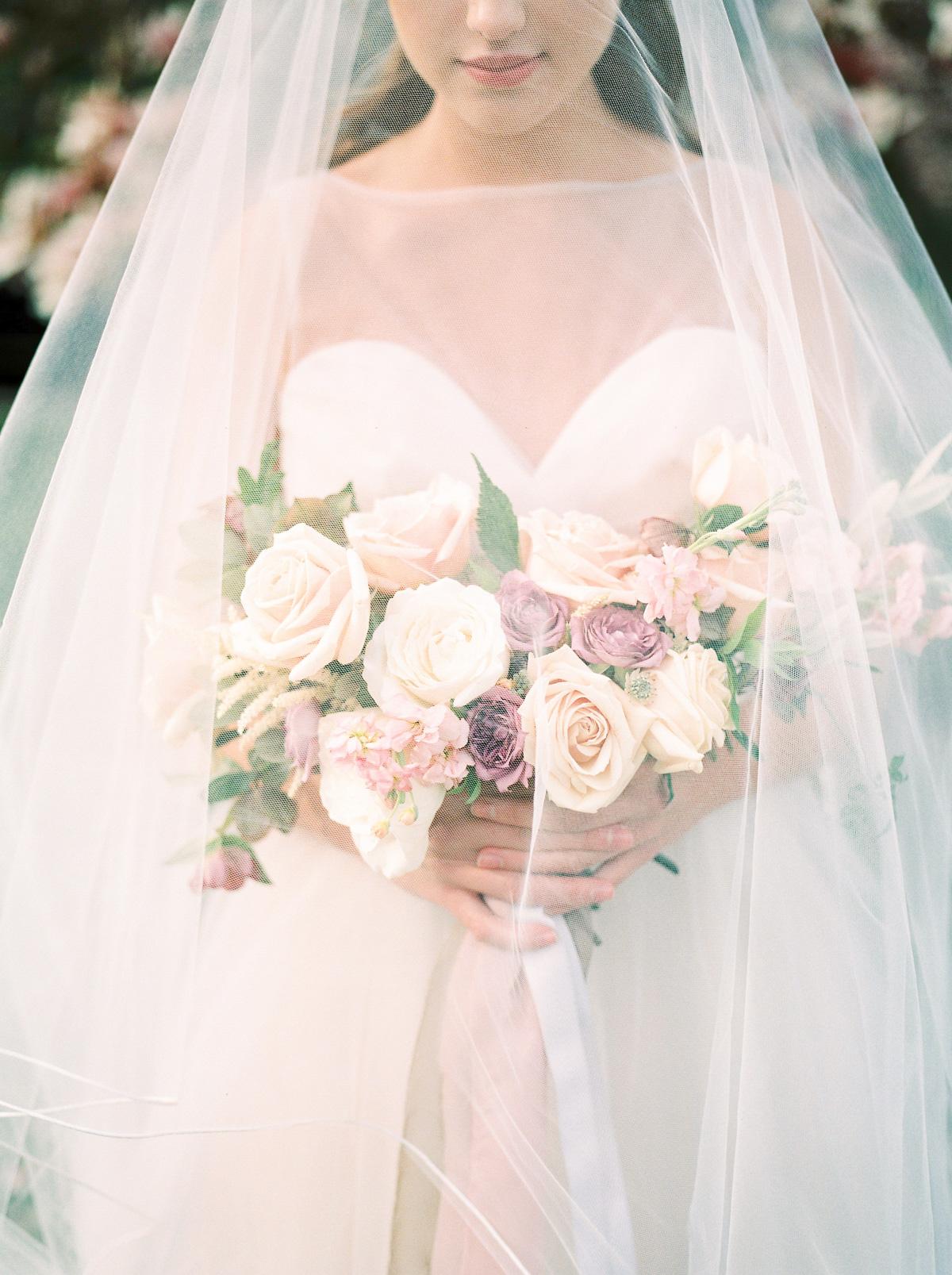 julia-park-photography-vineyard-bride-swish-list-niagara-on-the-lake-wedding-editorial-35.jpg