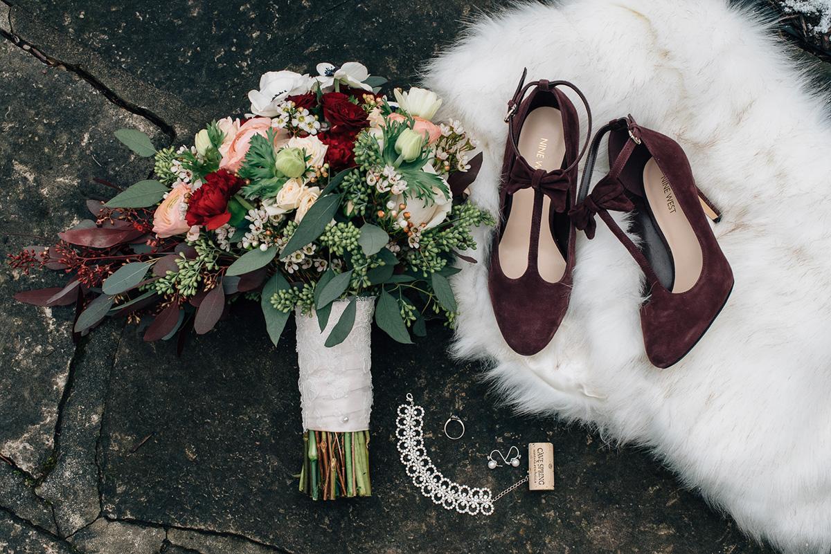 sara-wilde-photography-vineyard-bride-swish-list-inn-on-the-twenty-jordan-wedding-1.jpg