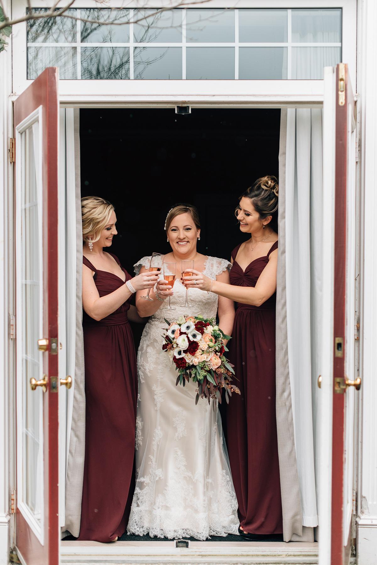 sara-wilde-photography-vineyard-bride-swish-list-inn-on-the-twenty-jordan-wedding-8.jpg