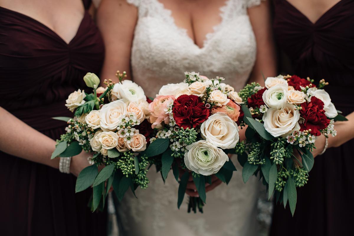 sara-wilde-photography-vineyard-bride-swish-list-inn-on-the-twenty-jordan-wedding-13.jpg