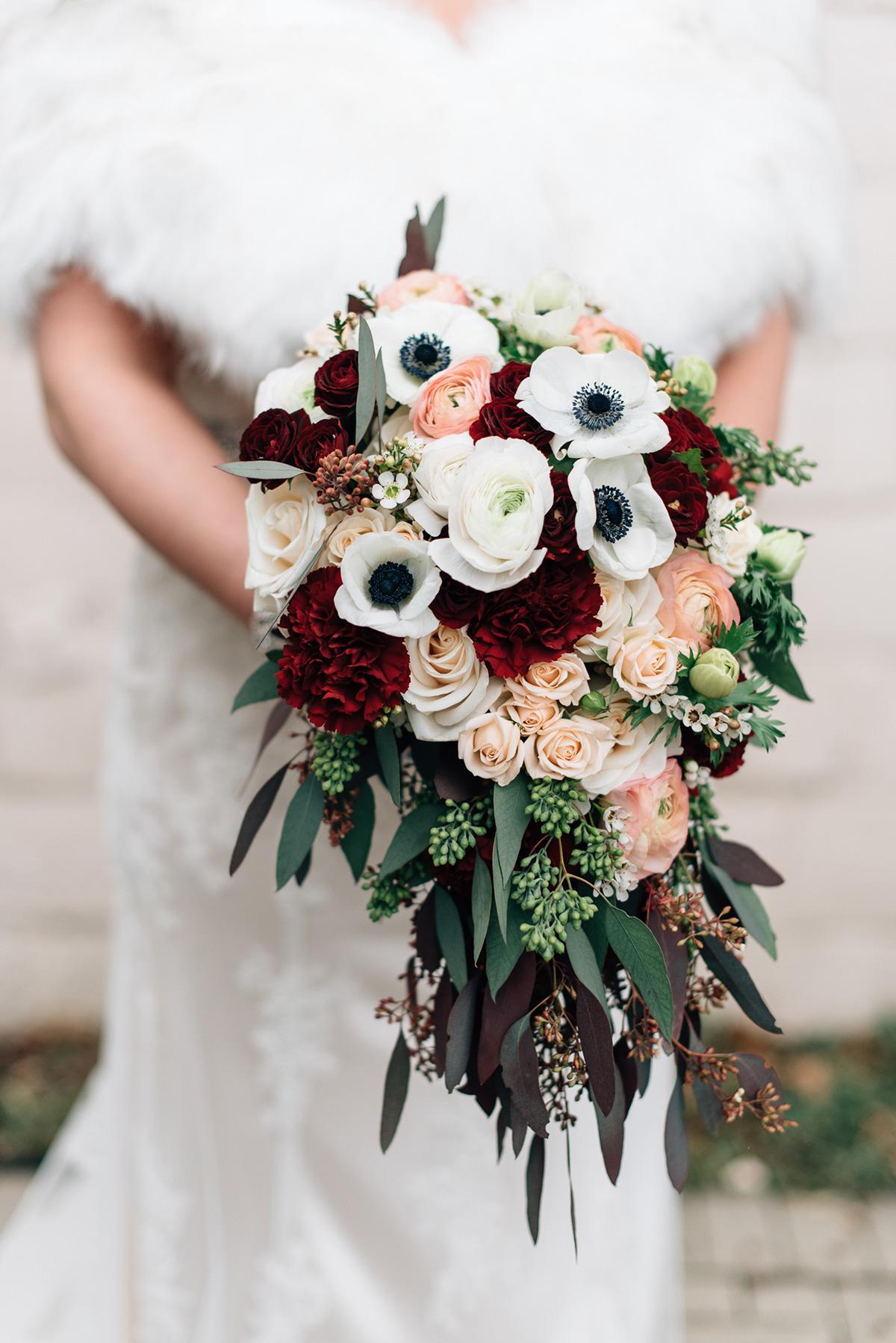 sara-wilde-photography-vineyard-bride-swish-list-inn-on-the-twenty-jordan-wedding-19.jpg