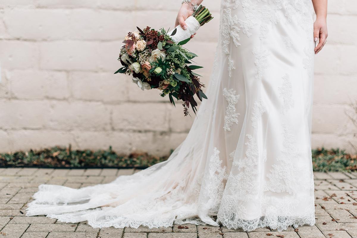sara-wilde-photography-vineyard-bride-swish-list-inn-on-the-twenty-jordan-wedding-20.jpg