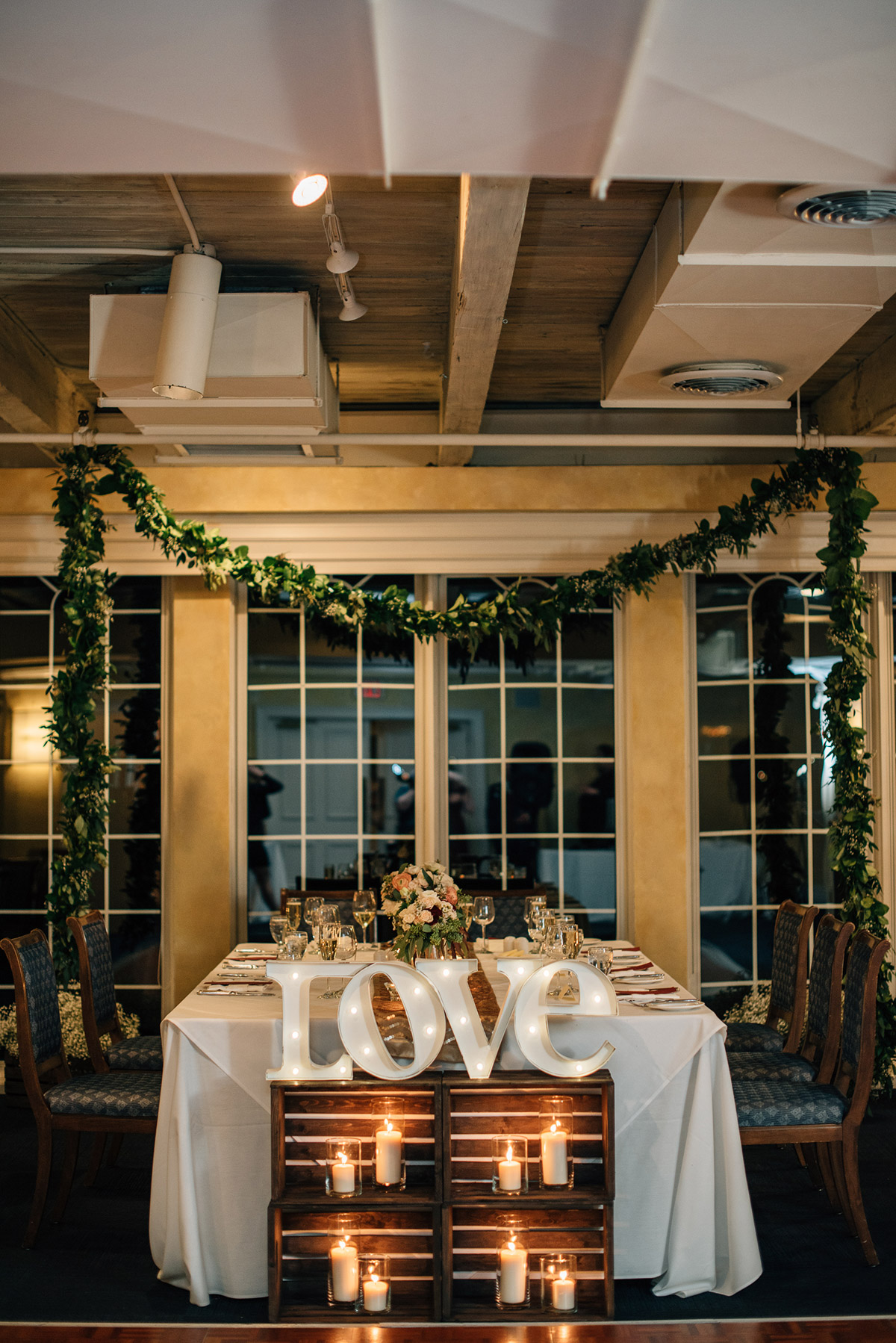 sara-wilde-photography-vineyard-bride-swish-list-inn-on-the-twenty-jordan-wedding-35.jpg