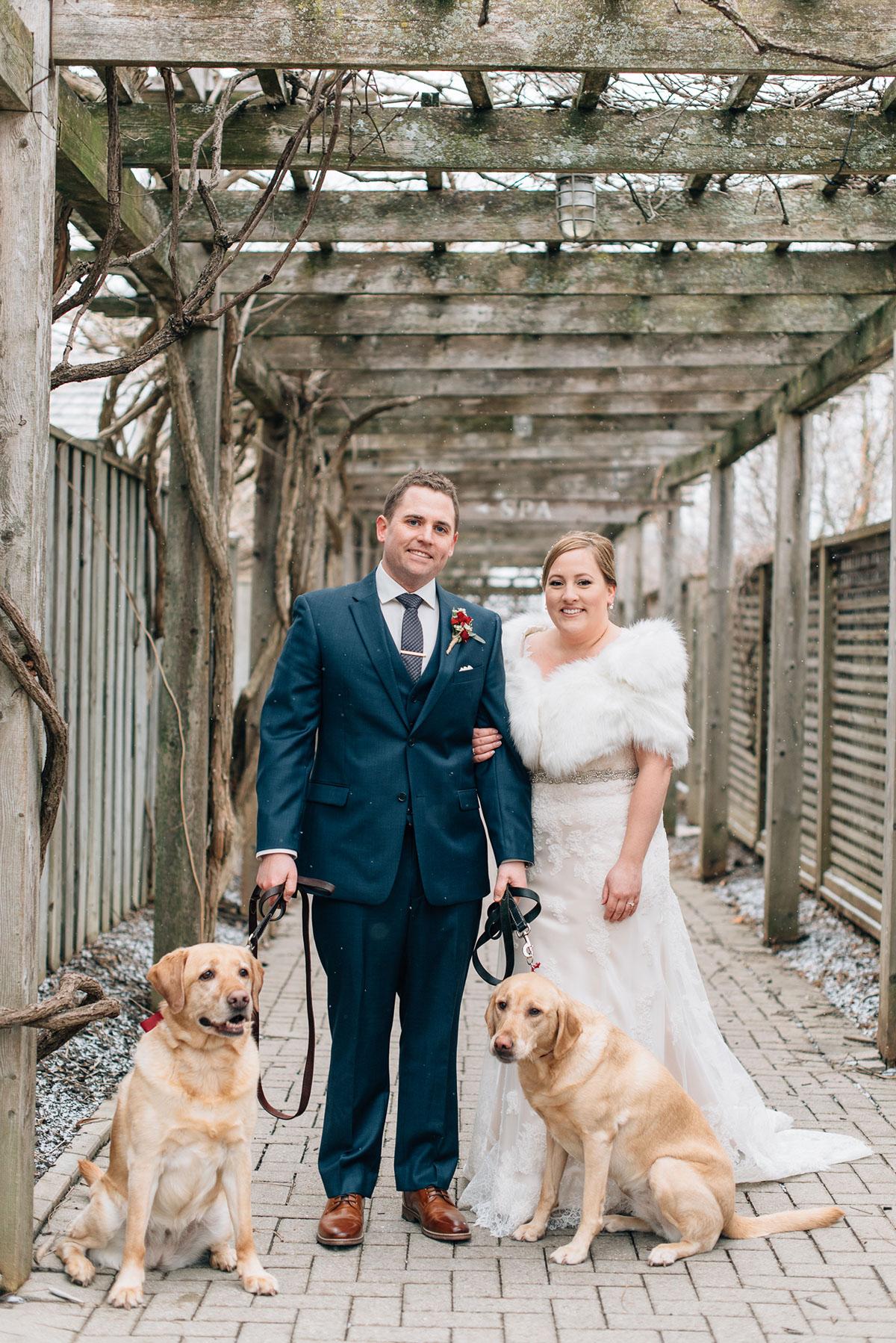 sara-wilde-photography-vineyard-bride-swish-list-inn-on-the-twenty-jordan-wedding-36.jpg