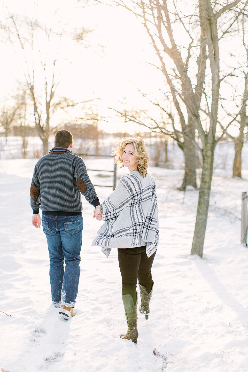 elizabeth-in-love-photography-vineyard-bride-swish-list-red-roof-retreat-niagara-on-the-lake-engagement-9.jpg