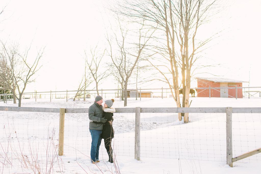 elizabeth-in-love-photography-vineyard-bride-swish-list-red-roof-retreat-niagara-on-the-lake-engagement-16.jpg
