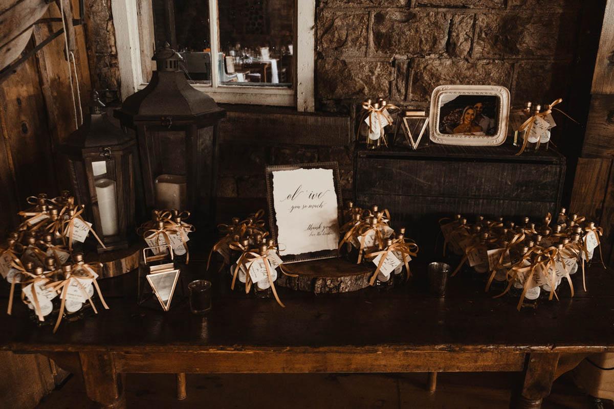 vineyard-bride-honsberger-estate-winery-niagara-wedding-kat-rizza-photography-vineyard-barn-027.jpg
