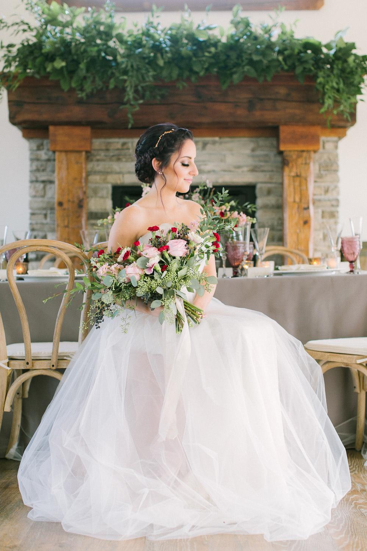 elizabeth-in-love-photography-vineyard-bride-swish-list-cave-springs-retreat-vineland-editorial-39.jpg