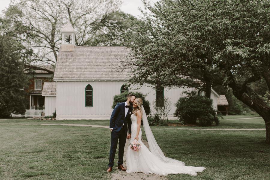 brandon-scott-photography-vineyard-bride-swish-list-balls-falls-vineland-engagement-71.jpg