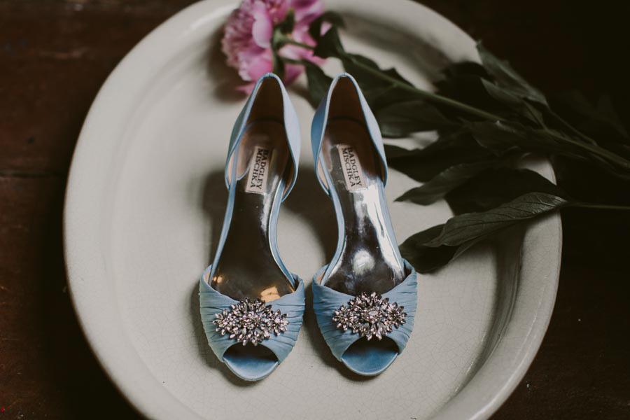 brandon-scott-photography-vineyard-bride-swish-list-balls-falls-vineland-engagement-6.jpg