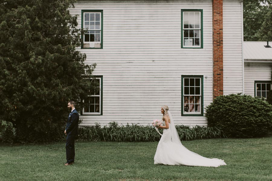 brandon-scott-photography-vineyard-bride-swish-list-balls-falls-vineland-engagement-15.jpg