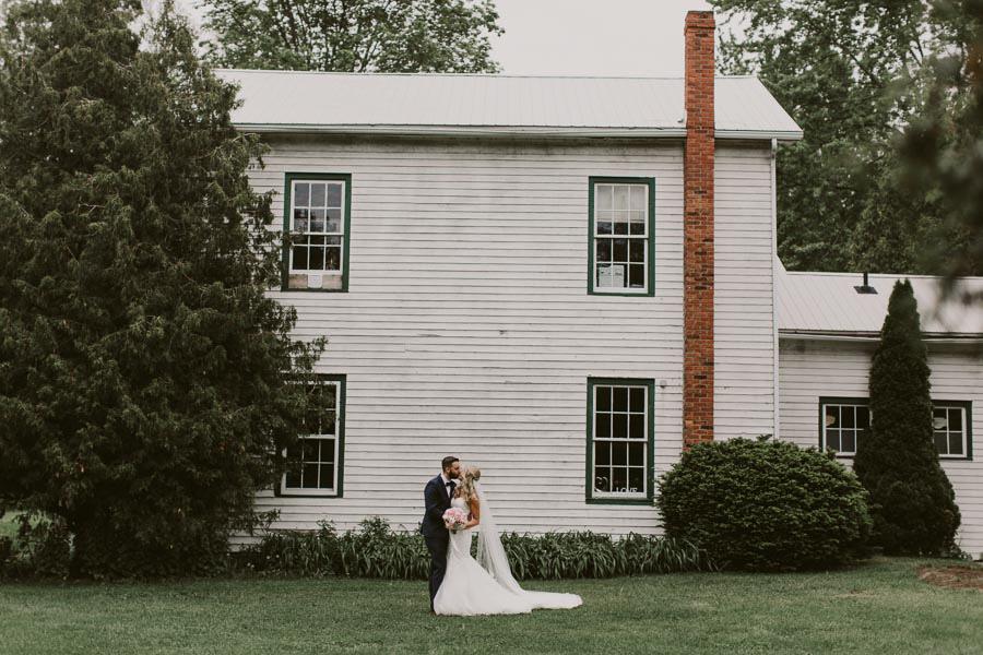 brandon-scott-photography-vineyard-bride-swish-list-balls-falls-vineland-engagement-17.jpg