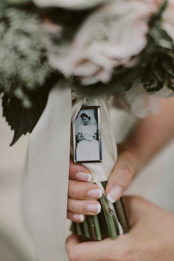brandon-scott-photography-vineyard-bride-swish-list-balls-falls-vineland-engagement-20.jpg
