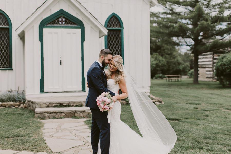 brandon-scott-photography-vineyard-bride-swish-list-balls-falls-vineland-engagement-19.jpg