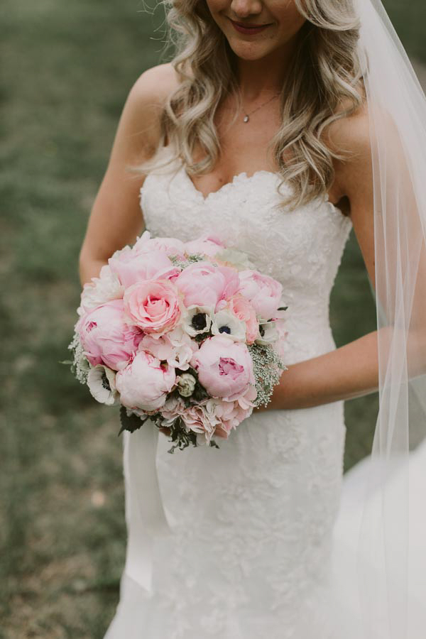 brandon-scott-photography-vineyard-bride-swish-list-balls-falls-vineland-engagement-23.jpg