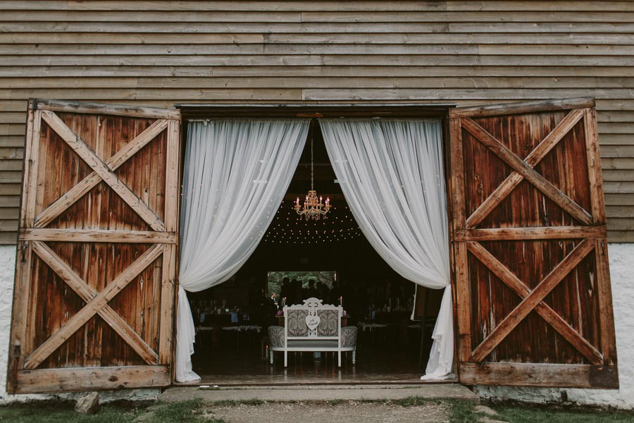 brandon-scott-photography-vineyard-bride-swish-list-balls-falls-vineland-engagement-56.jpg