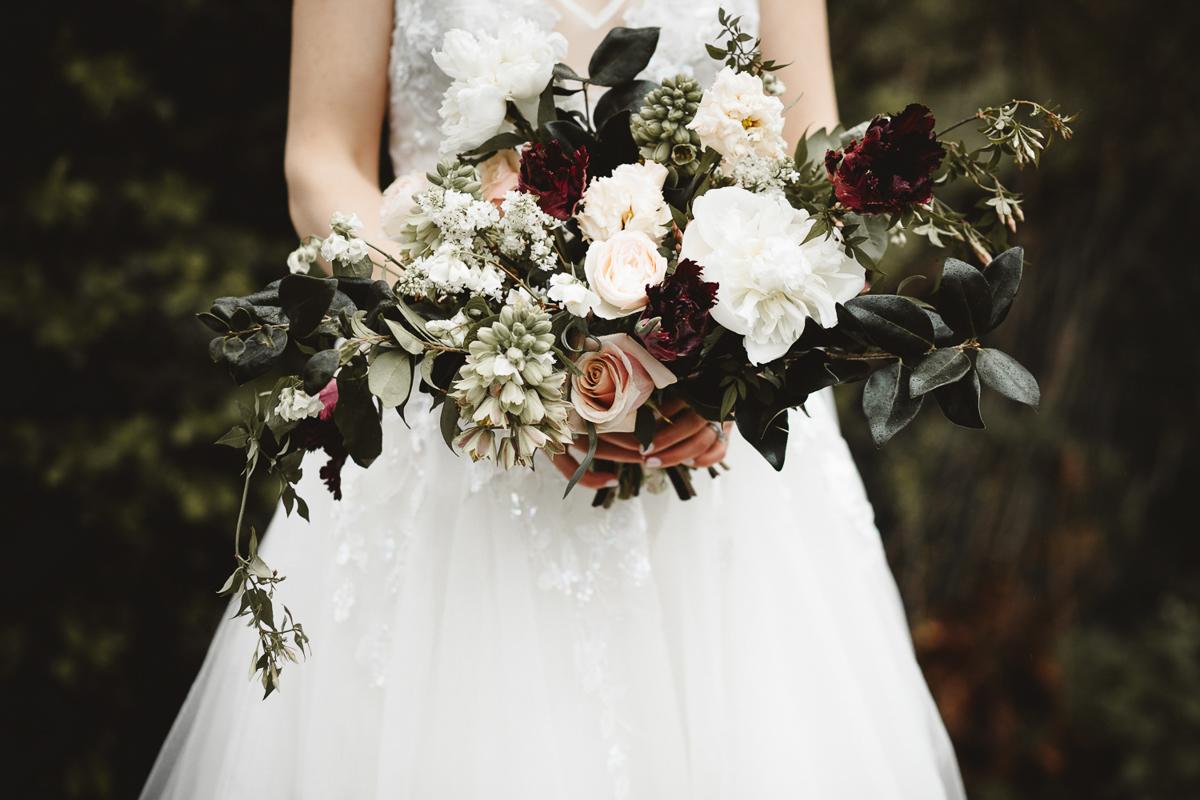 reed-photography-vineyard-bride-swish-list-queens-landing-niagara-on-the-lake-wedding-22.jpg