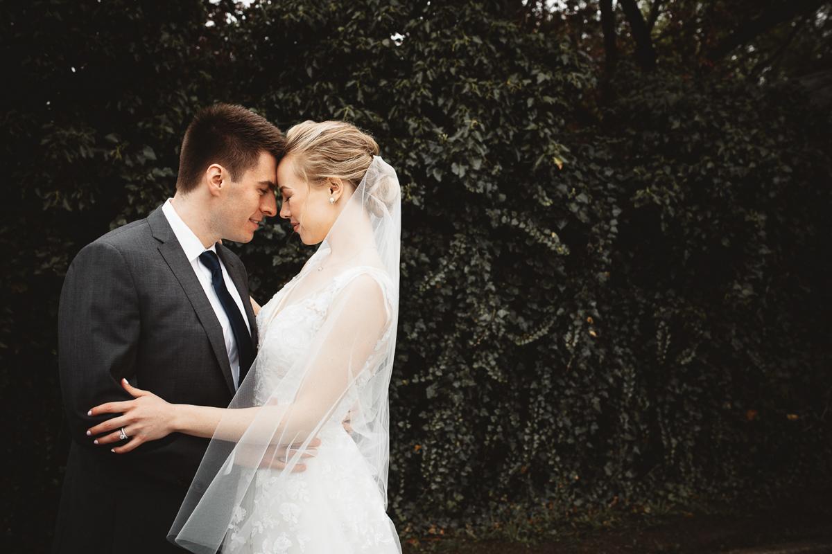 reed-photography-vineyard-bride-swish-list-queens-landing-niagara-on-the-lake-wedding-24.jpg