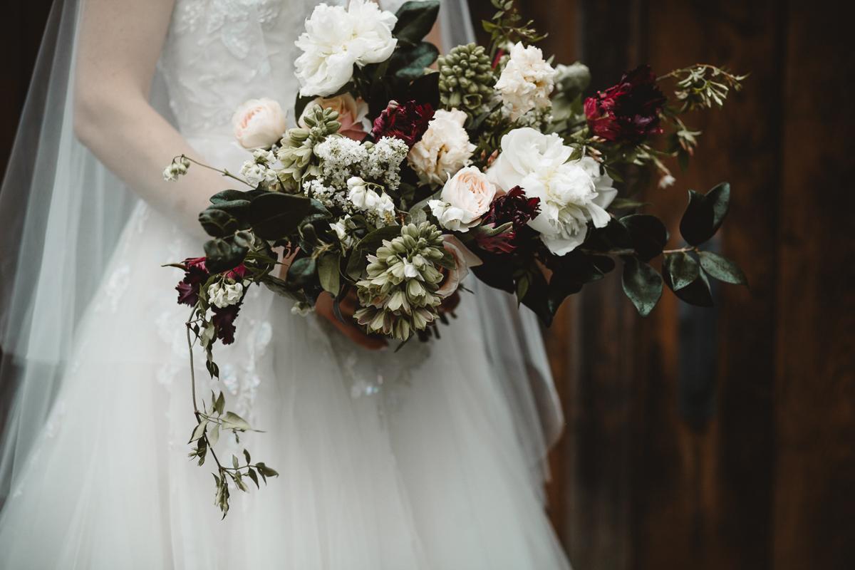 reed-photography-vineyard-bride-swish-list-queens-landing-niagara-on-the-lake-wedding-26.jpg
