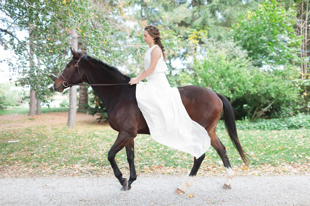 jennifer-xu-photography-vineyard-bride-swish-list-kurtz-orchards-niagara-on-the-lake-editorial-10.jpg