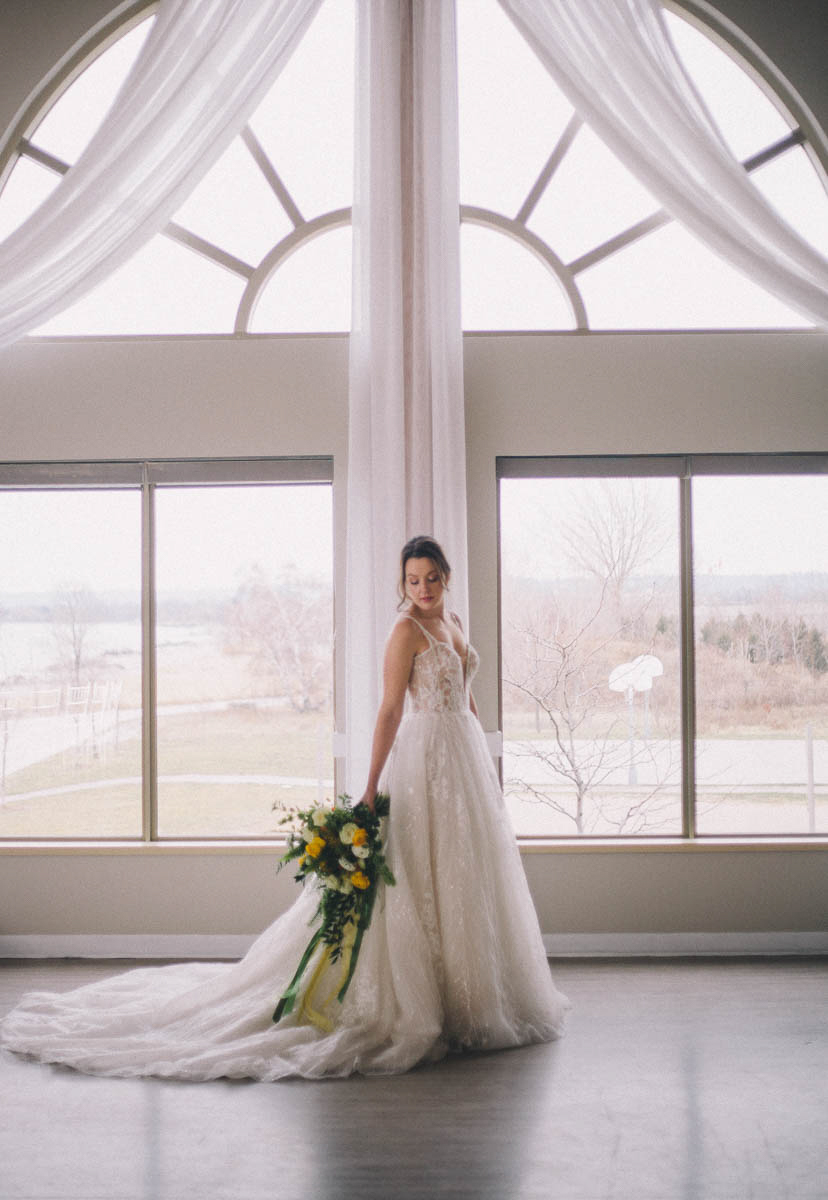 shelly-spithoff-photography-vineyard-bride-swish-list-the-lakeview-hamilton-editorial-8.jpg